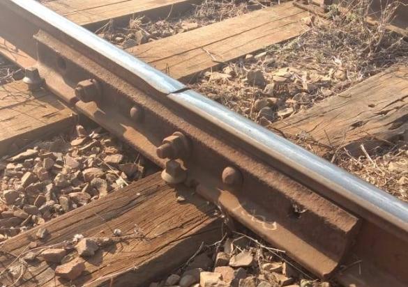 """Engenharia Ferroviária – """"Tala de Junção"""" – Além da Inércia e5dca6c054"""